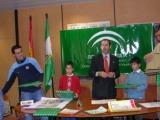 El Sr. Delegado de Educación de Huelva recibe a los premiados en el Concurso